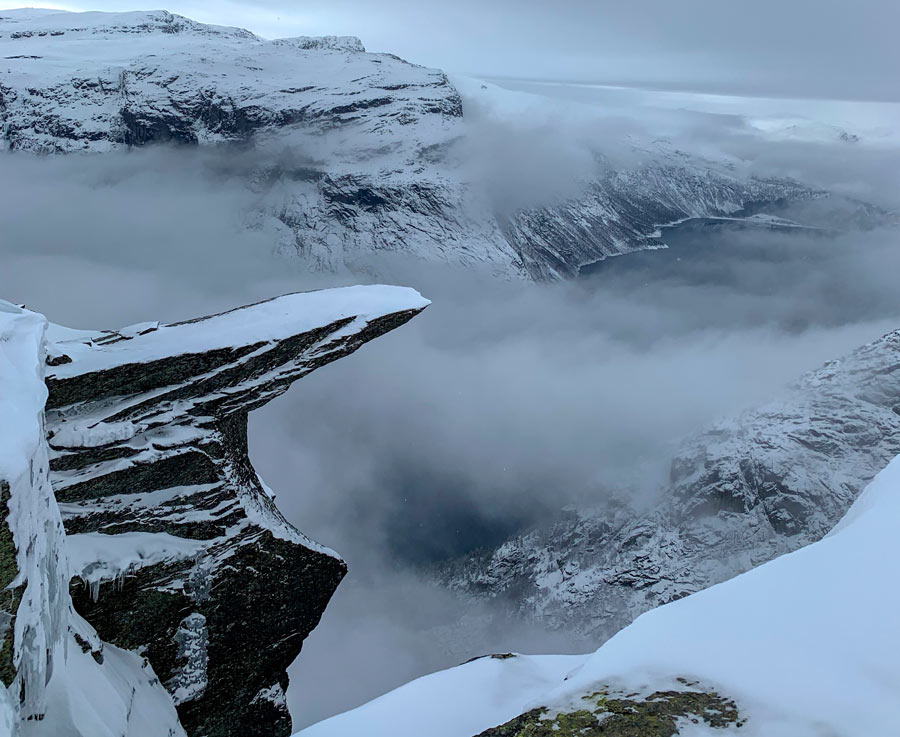 Trolltunga covered in snow