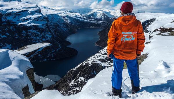 Trolltunga Active guide looking at Trolltunga Winter view